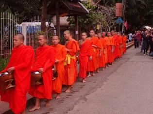 Luang Prabang : quête des moines | Monks collection