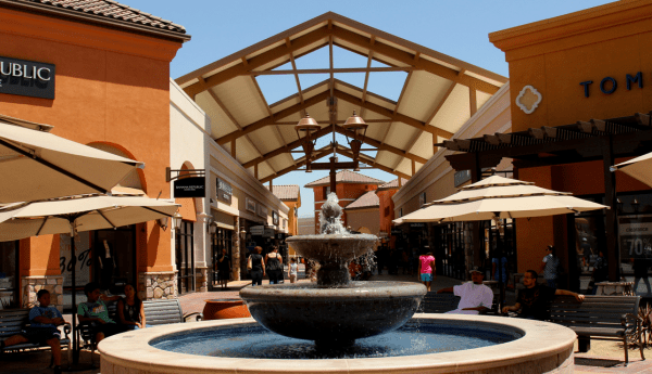 Tejon_Outlets___Flickr_-_Photo_Sharing_