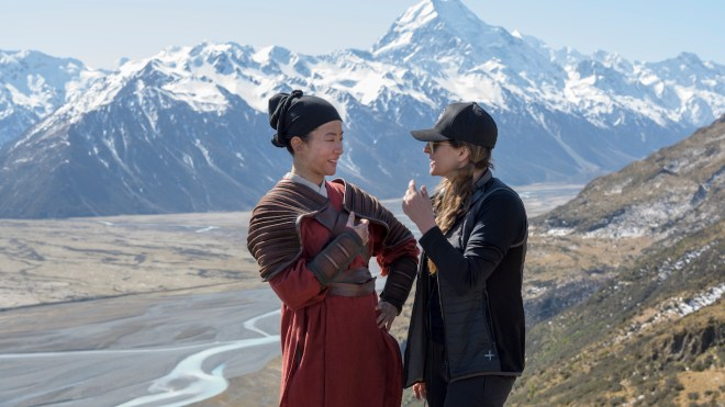 mulan-niki-caro-liu-yifei-behind-the-scenes-new-zealand No Mushu: Why Mulan Isn't a Live Action Remake of the Animated Film | IGN