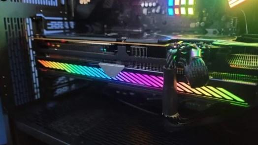 Asus ROG Strix Radeon RX 6800 OC Review 4
