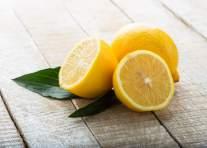 sliced-lemons-on-table