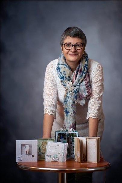 Stephanie Hénocque, créatrice de cartes sur-mesure