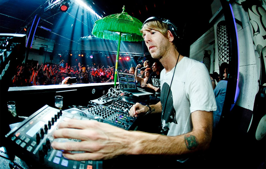 richie-hawtin-enter-2014-live