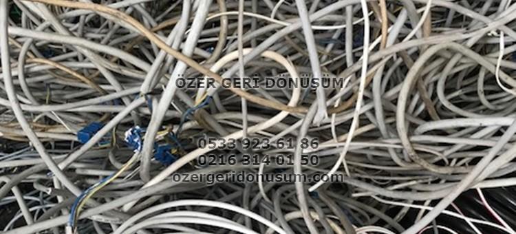 Ataşehir Bakır Hurdacı – 0533 923 61 86 – Plastik Kablo Demir Hurda