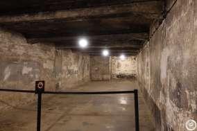 Bu oda ayakta kalan ender gaz odalarından. Onbinler can vermiş burada.