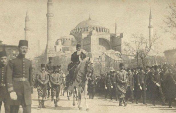 Last Caliph Abdulmejid Effendi, Istanbul, 1922