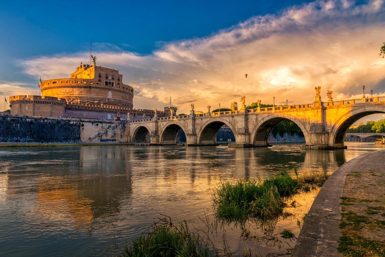 Ponte Sant'Angelo, Castel Sant'angelo, Rome Italy