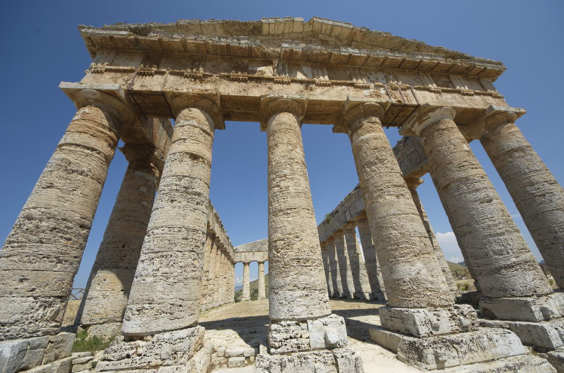 Ancient gREEK tEMPLE Sicily