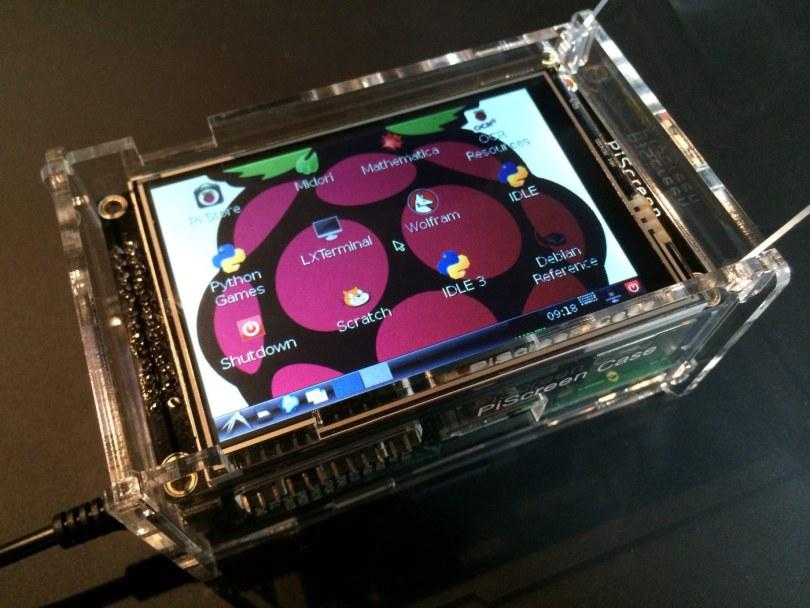 PiScreen case lid open