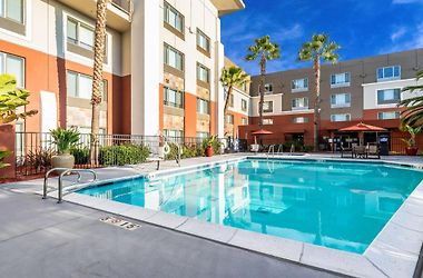 Search compare prices from all booking and official hotel websites. Holiday Inn Express Fremont Milpitas Central An Ihg Hotel Fremont Ca 3 United States From Us 140 Booked