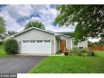 981 Saddlebrook Trl, Chanhassen, MN 55317