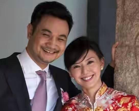 孙燕姿结婚10周年,儿子女儿齐出镜太幸福