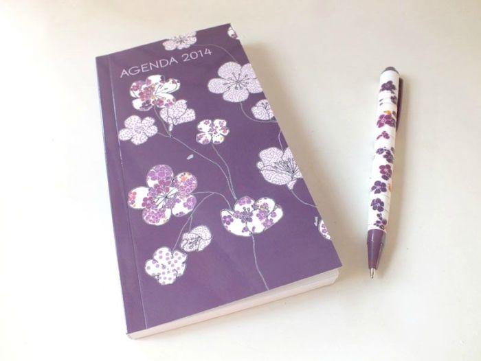yves-rocher-shopping-haul-gel-douche-nouveau-muesli-gel-nettoyant-visage-carte-cadeaux-septembre-2013-agenda-stylo-house-smartphone (5)