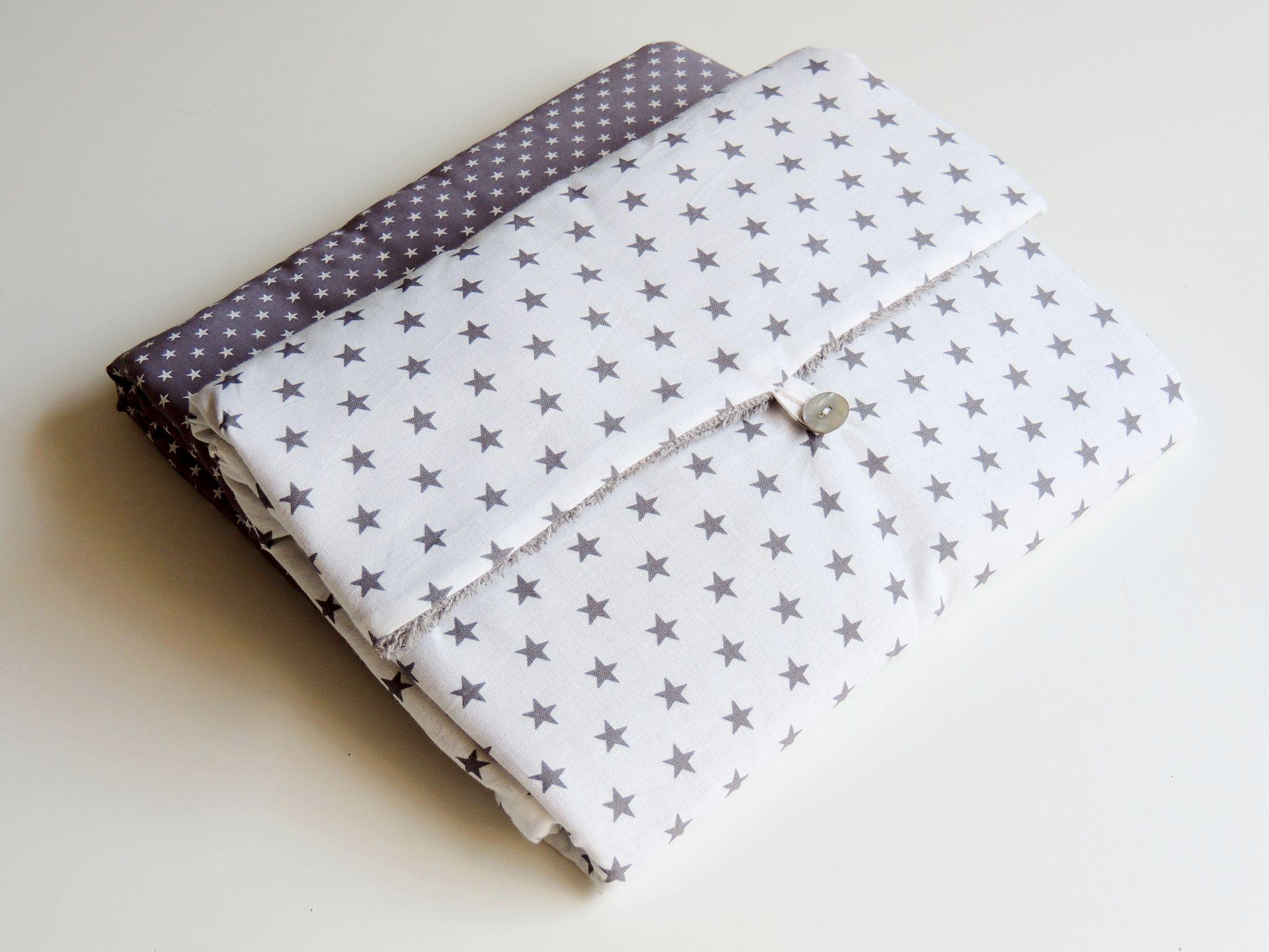 tapis a langer de voyage tissu blanc