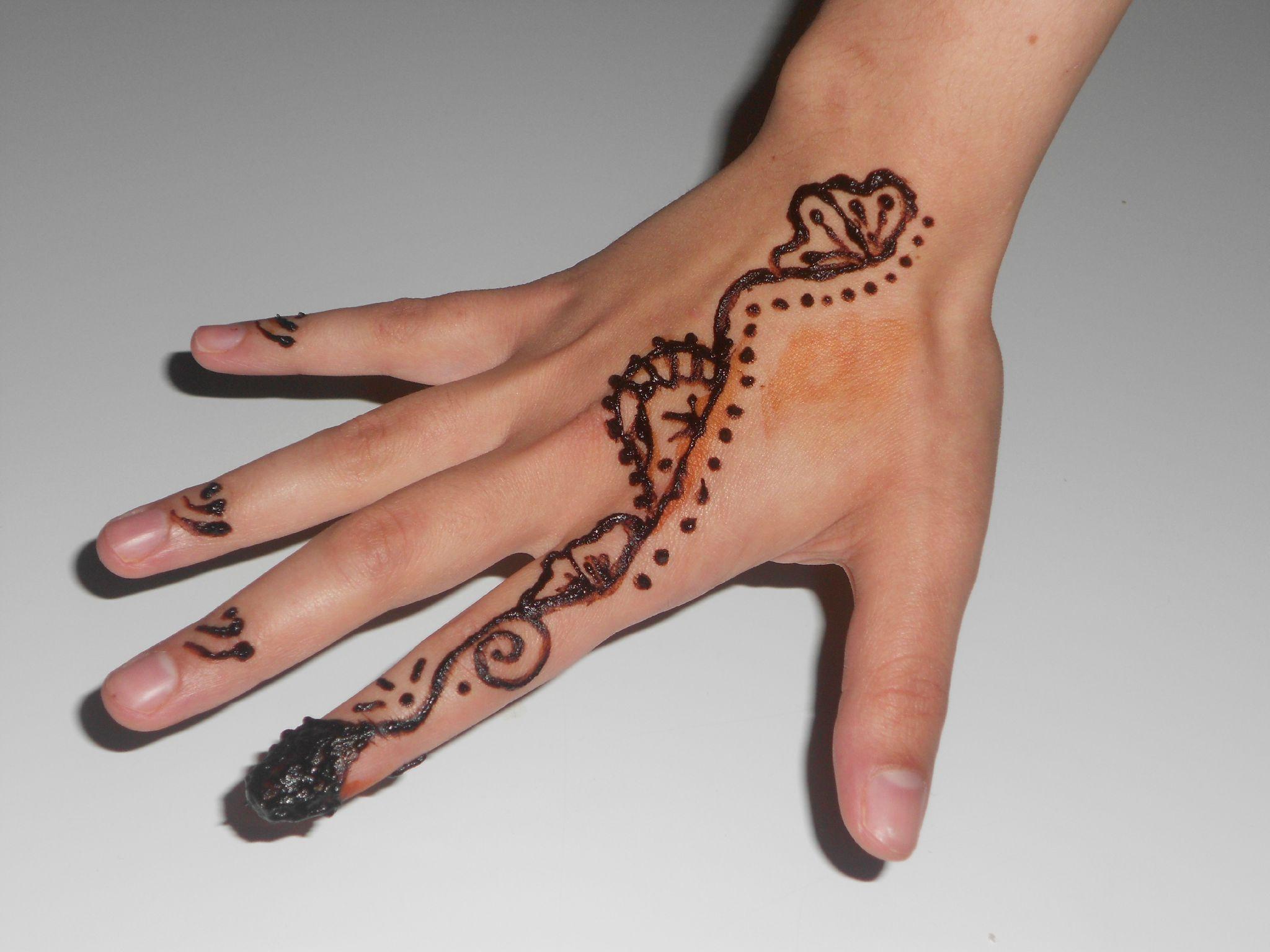 Henna Simple Et Facile