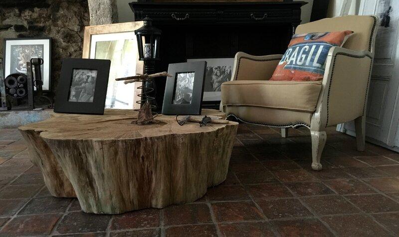 et le tronc d arbre devient table basse