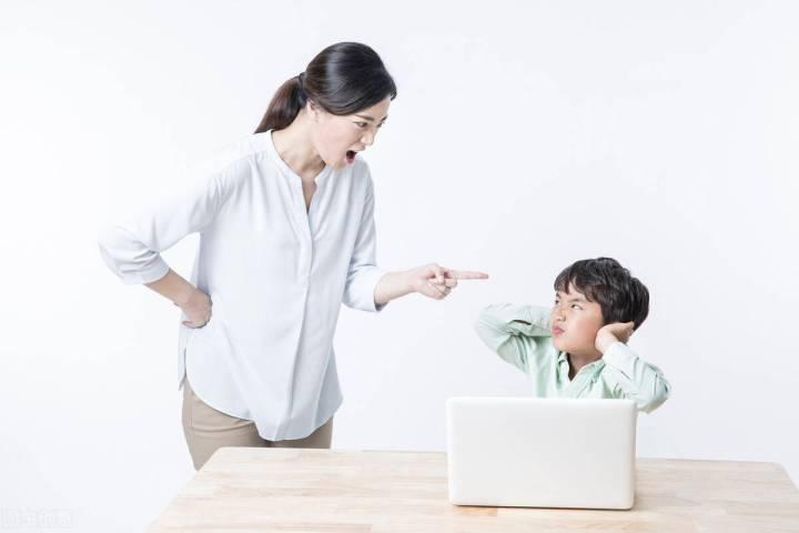 你为什么朝孩子大吼大叫?是祖传的,还是迁怒于孩子?_父母
