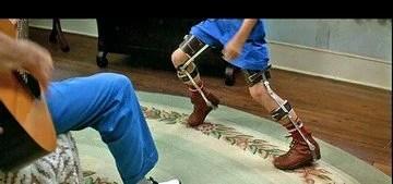 Leg brace to help with walking