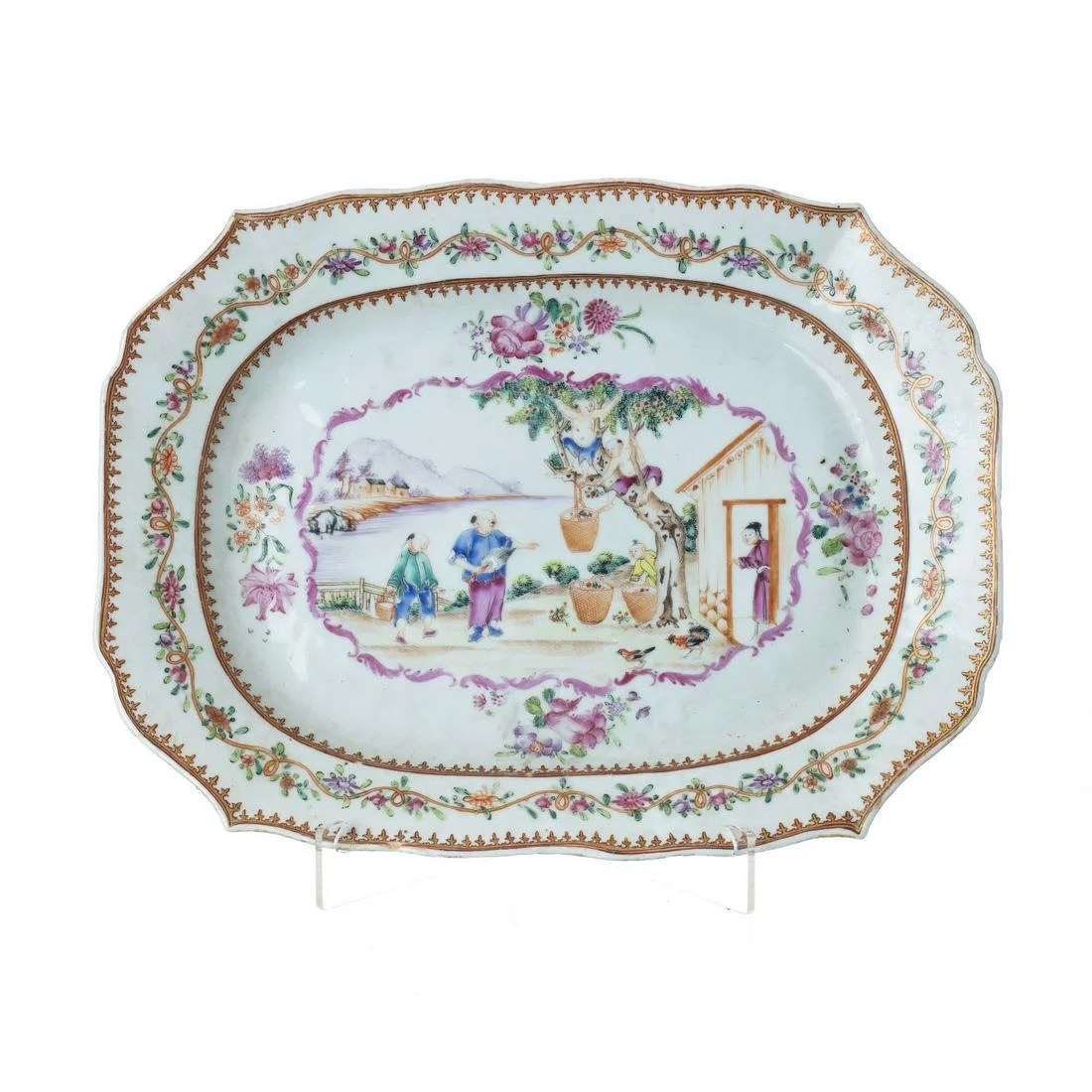 'Mandarin' platter in Chinese porcelain, Qianlong