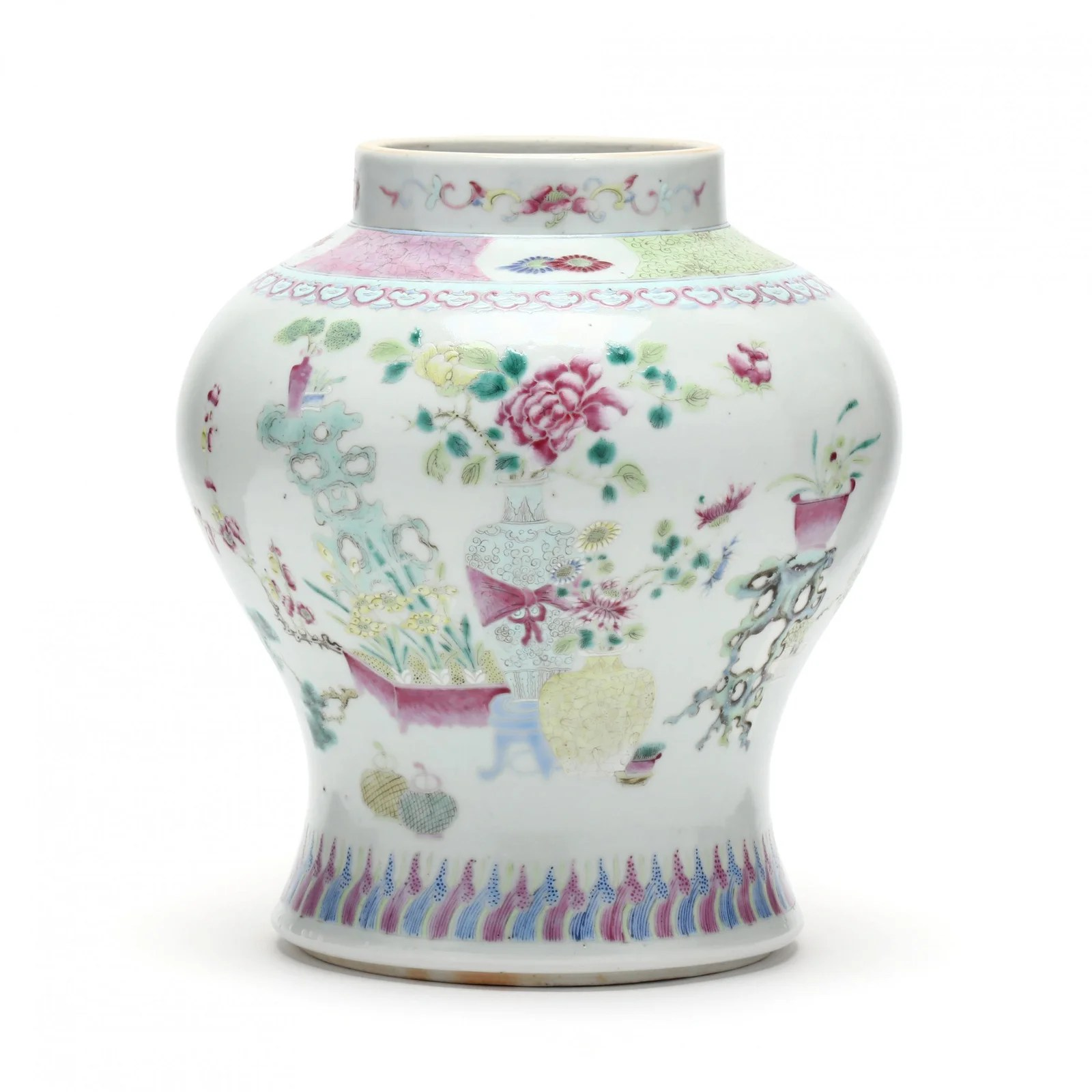 A Chinese Qing Dynasty Porcelain Vase