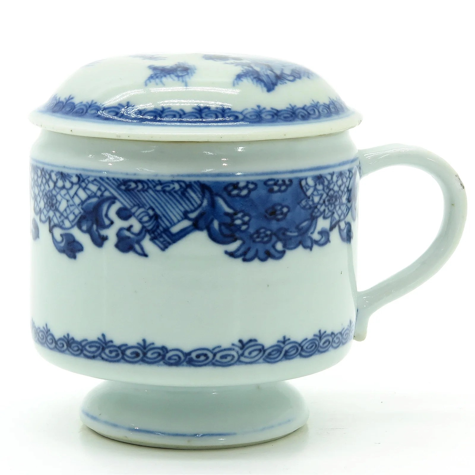 A Chinese Covered Cup