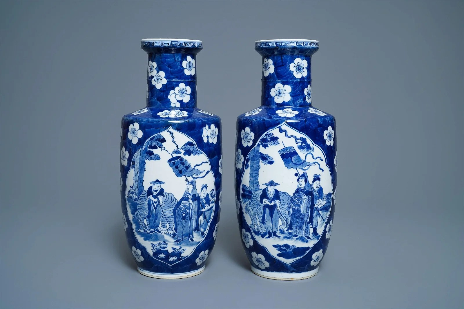 A pair of Chinese blue and white rouleau vases with