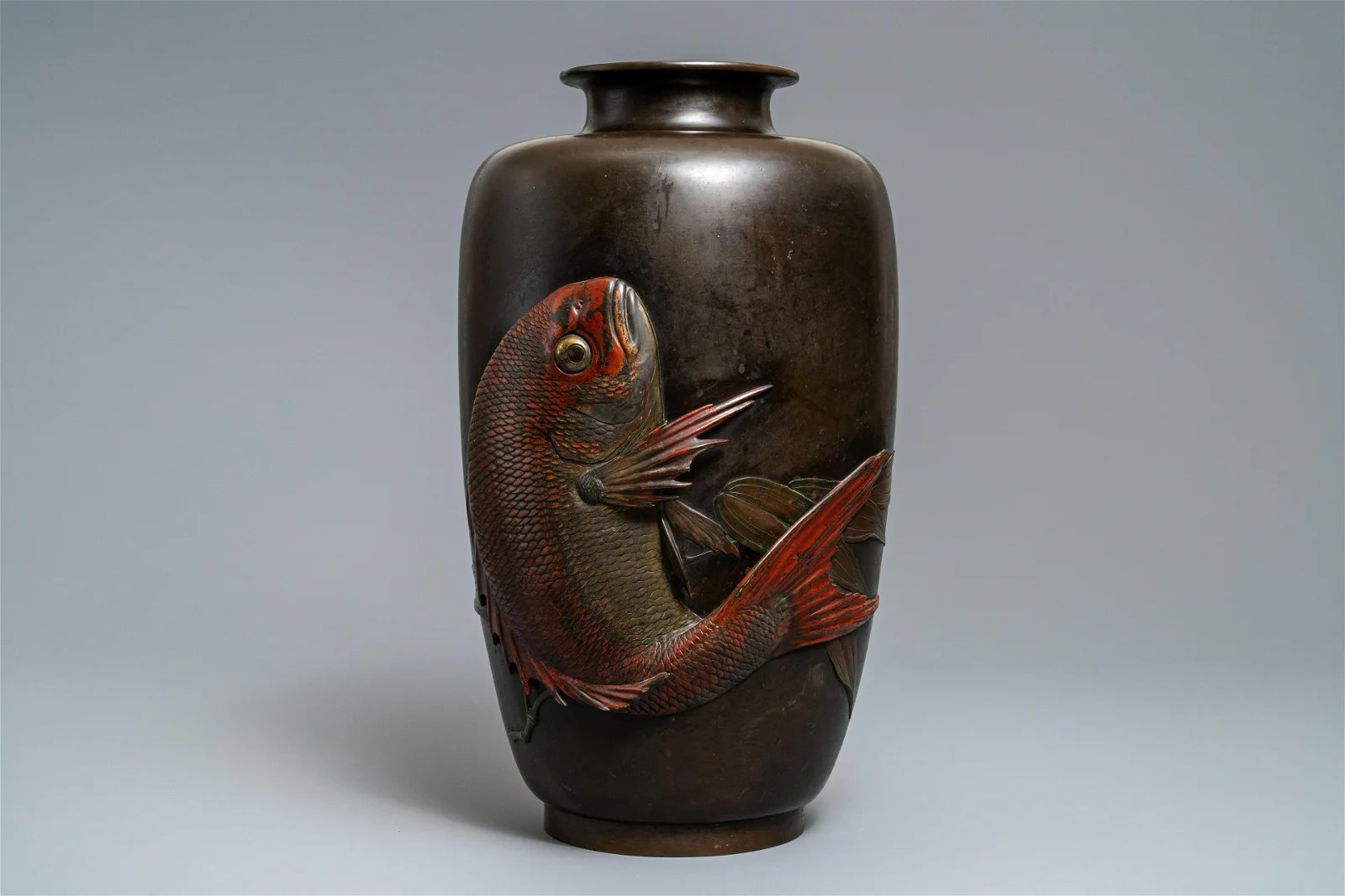 A large Japanese bronze vase with a koi, Meiji, 19th C.