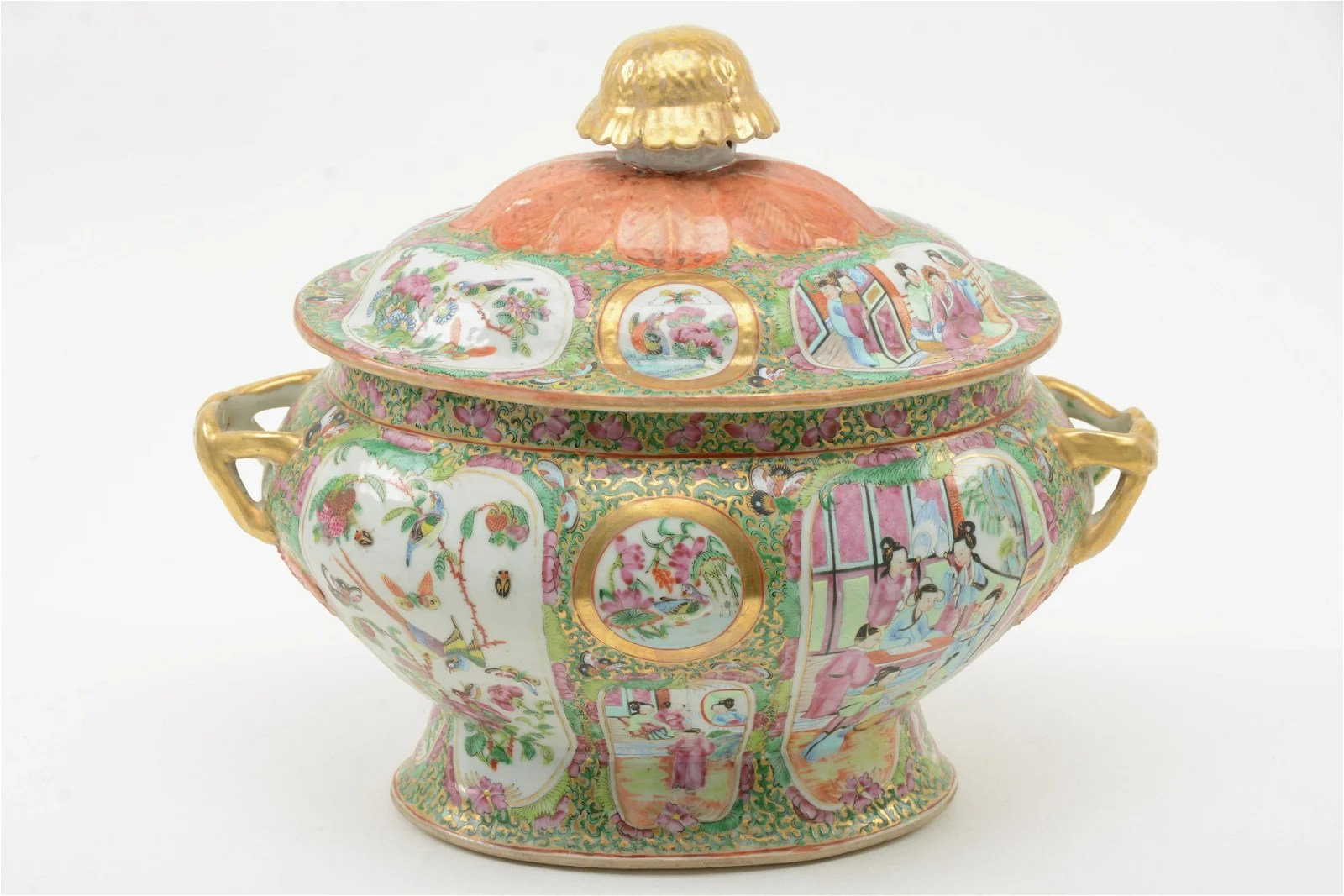 19th Century Chinese Famille Rose Porcelain Tureen