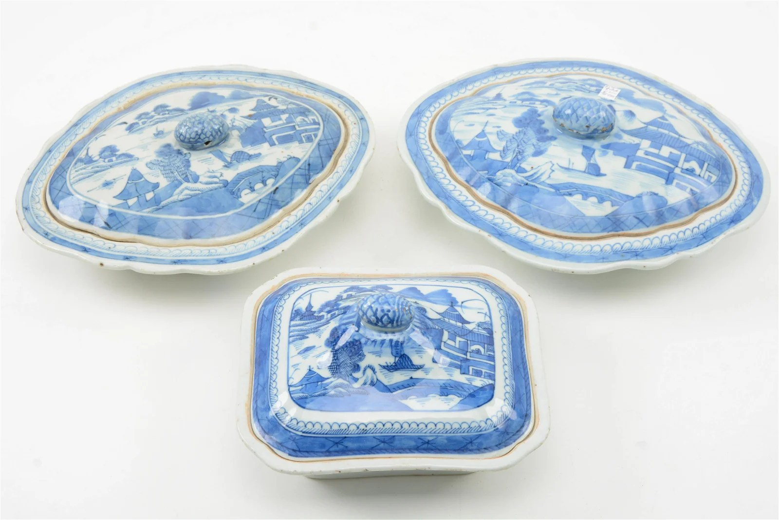 Chinese Export Canton Porcelain Vegetable Dishes
