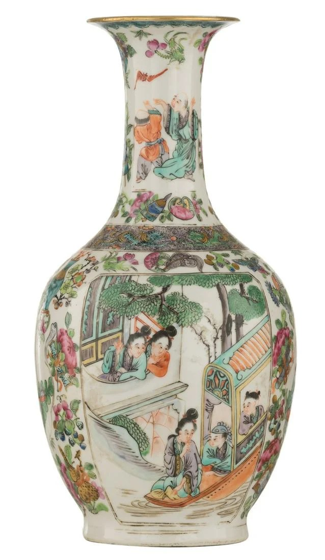 A small Chinese famille rose vase, decorated with