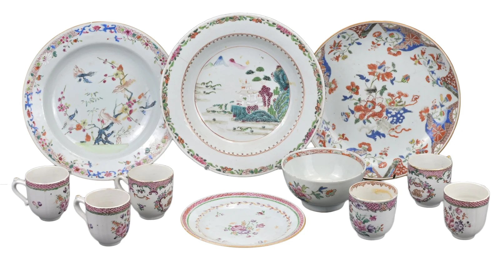 GROUP OF ELEVEN CHINESE FAMILLE ROSE EXPORT PORCELAIN,