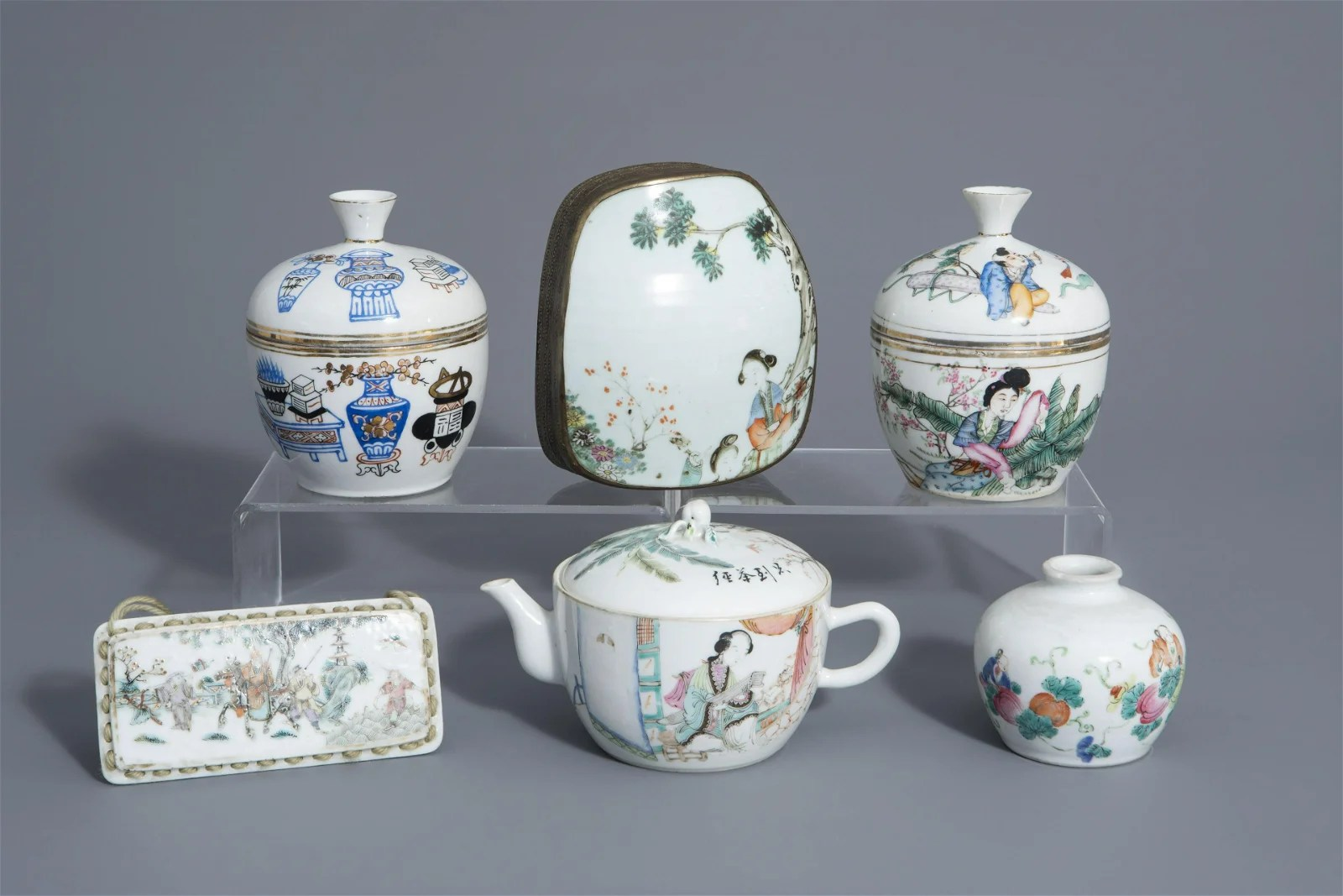 A varied collection of Chinese famille rose and blue