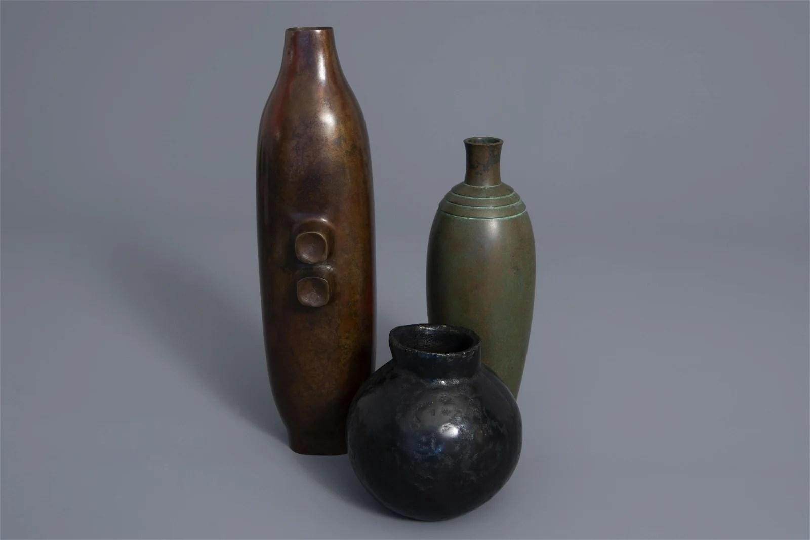 Three fine Japanese bronze vases, Showa, 20th C.