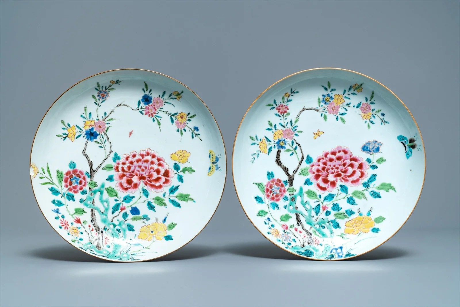 A pair of Chinese famille rose dishes with floral