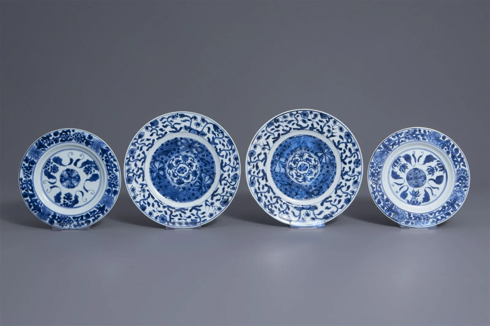 Two pairs of Chinese blue and white plates with floral