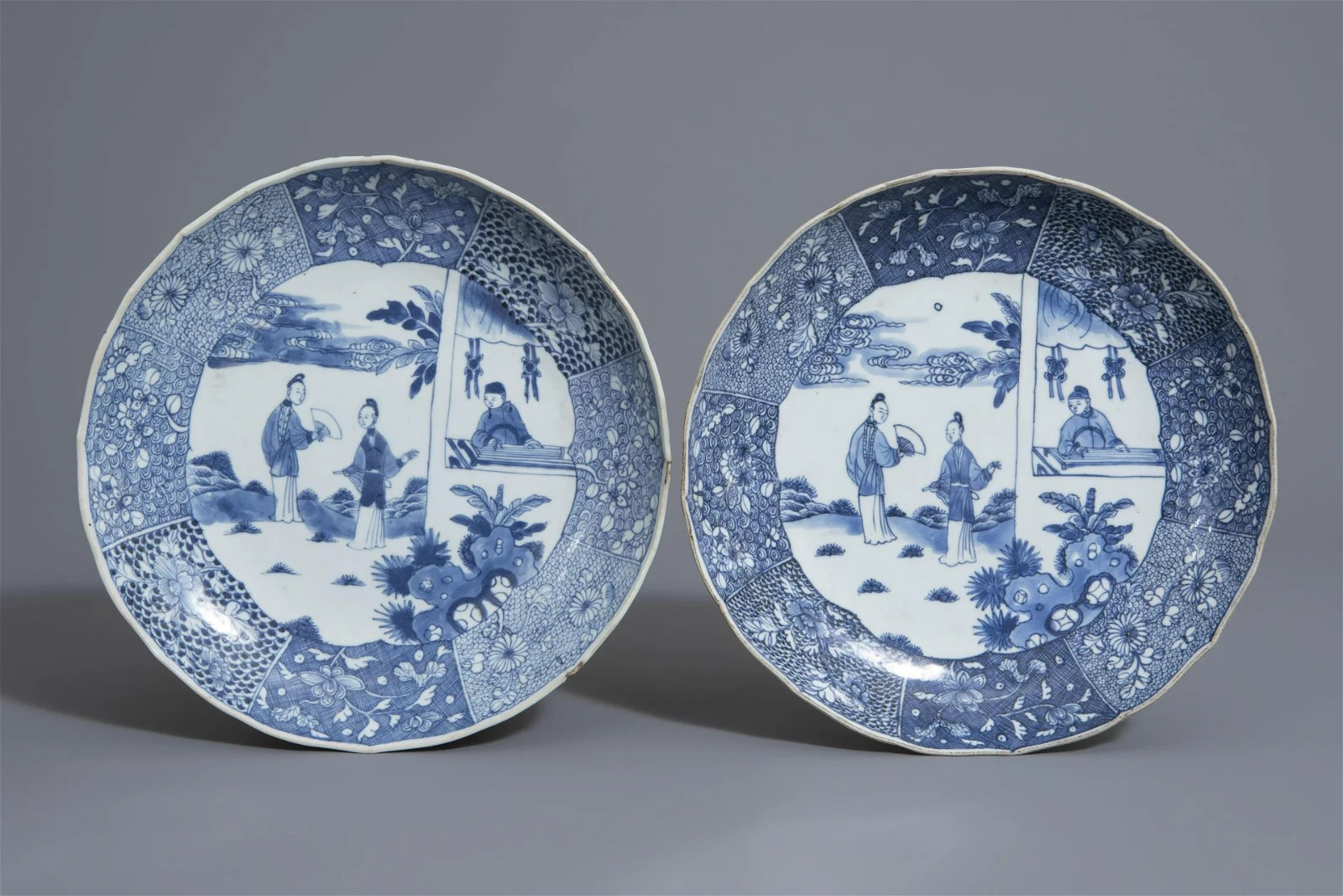 A pair of Chinese blue and white 'Romance of the