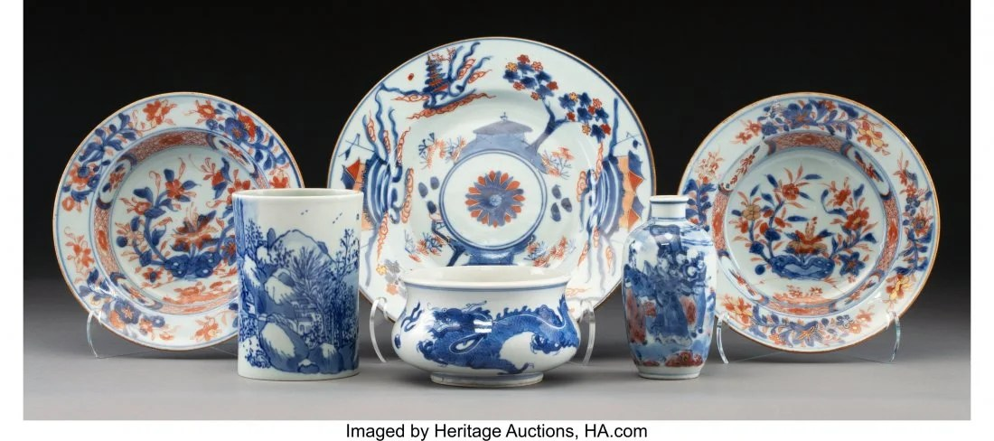 78126: A Group of Six Chinese Porcelain Table Articles