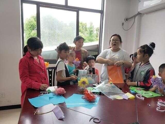 街河市鎮:「溝通引領,愛伴成長」家庭教育宣講暨繪本閱讀活動