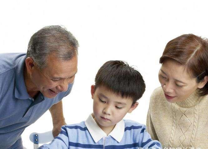 父母的愛,決定了家庭教育質量的優劣,要注意3件事