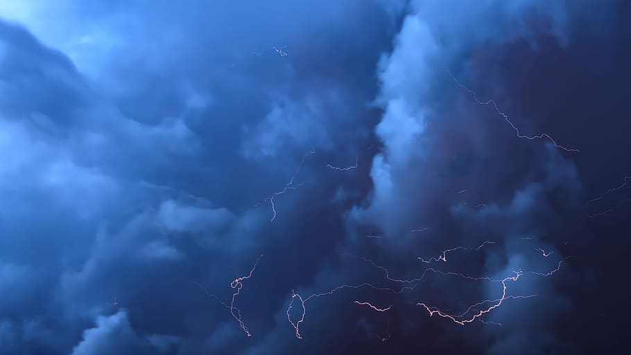 low, angle photograph, dark, cloudy, sky, thunderstorm, clouds, flashes, thundercloud, storm