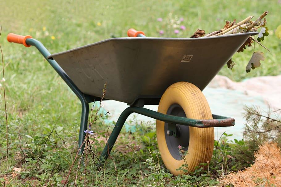 How to Choose a Good Wheelbarrow