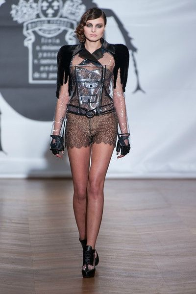 on aura tout vu by Yassen Samouilov and Livia Stoianova Defile Couture SS 2013 (50)-L