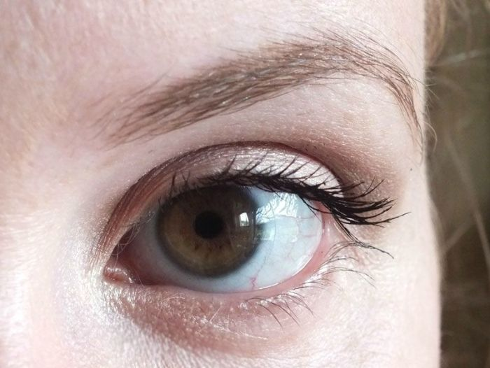 mascara-bourjois-volume-glamour-max-brosse-cils-test-swatch-maquillage-makeup-yeux (5)