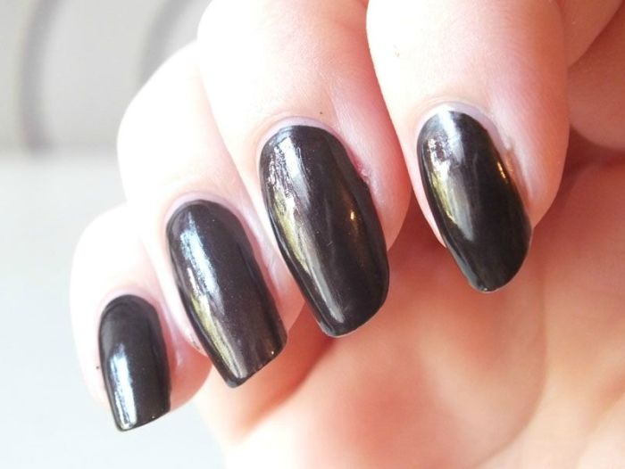 kiko-nail-polish-lacquer-marron-hot-chocolate-dark-heroine-test-swatch-nail-art-cheeky-jumbo-kiko-mirror-golden-stamping (4)