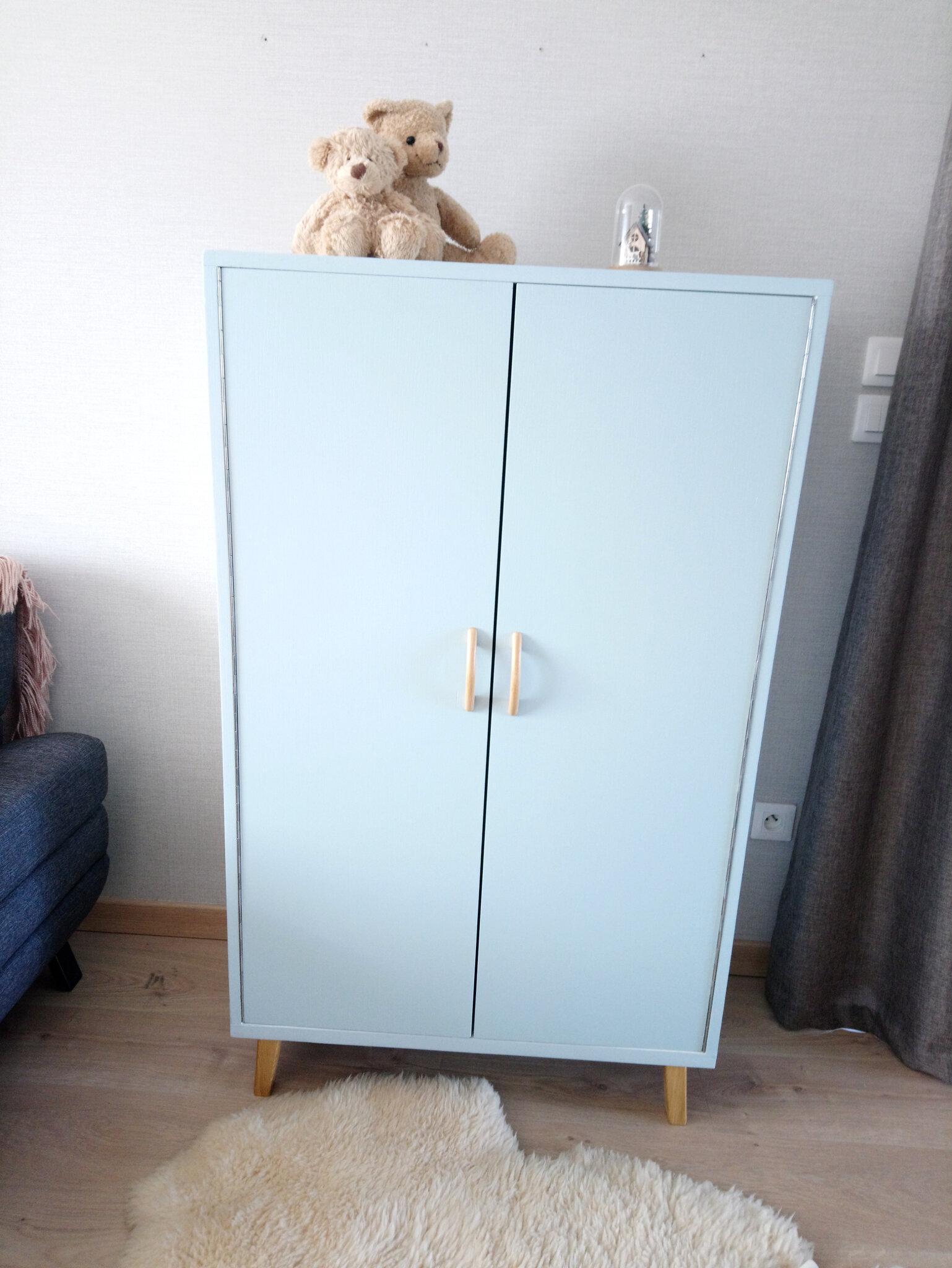 petite armoire vintage annee 70