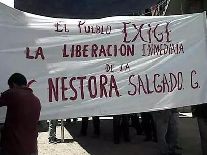Familiares y activistas exigieron la liberación de Nestora Salgado, comandanta de la Policía Comunitaria de Olinalá, Guerrero, detenida desde agosto. Foto: Reforma