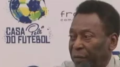 Pelé critica Arenas e desfaz 'mal-entendido' sobre protestos