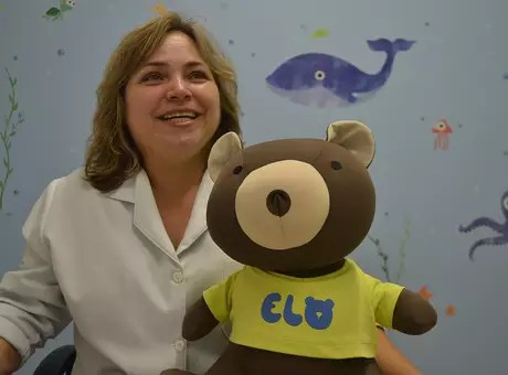 A oncologista pediátrica e chefe do setor de pediatria do hospital, Cláudia Teresa de Oliveira, diz que o projeto levou seis meses para ficar pronto Foto: Talita Zaparolli / Especial para Terra