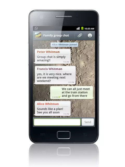 """Função no iOS permite que usuários de iPhone e iPad desliguem a confirmação de leitura de mensagem; em aparelhos com Android é necessário usar o app em """"modo avião"""" Foto: Reprodução"""