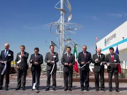 El Presidente Enrique Peña Nieto inauguró la planta de Eurocopter en Querétaro. Foto: Presidencia